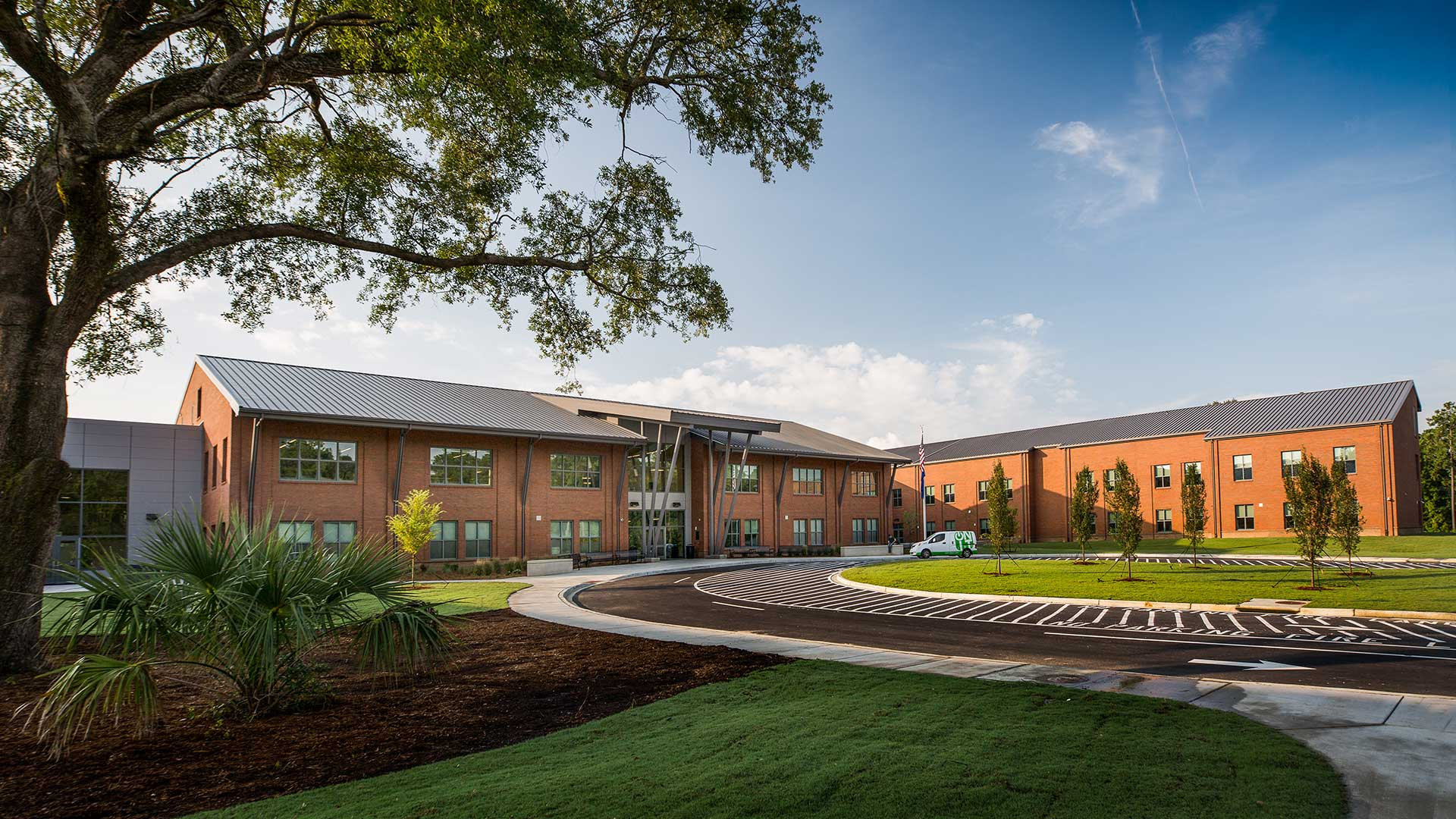 Philip Simmons High School, Exterior