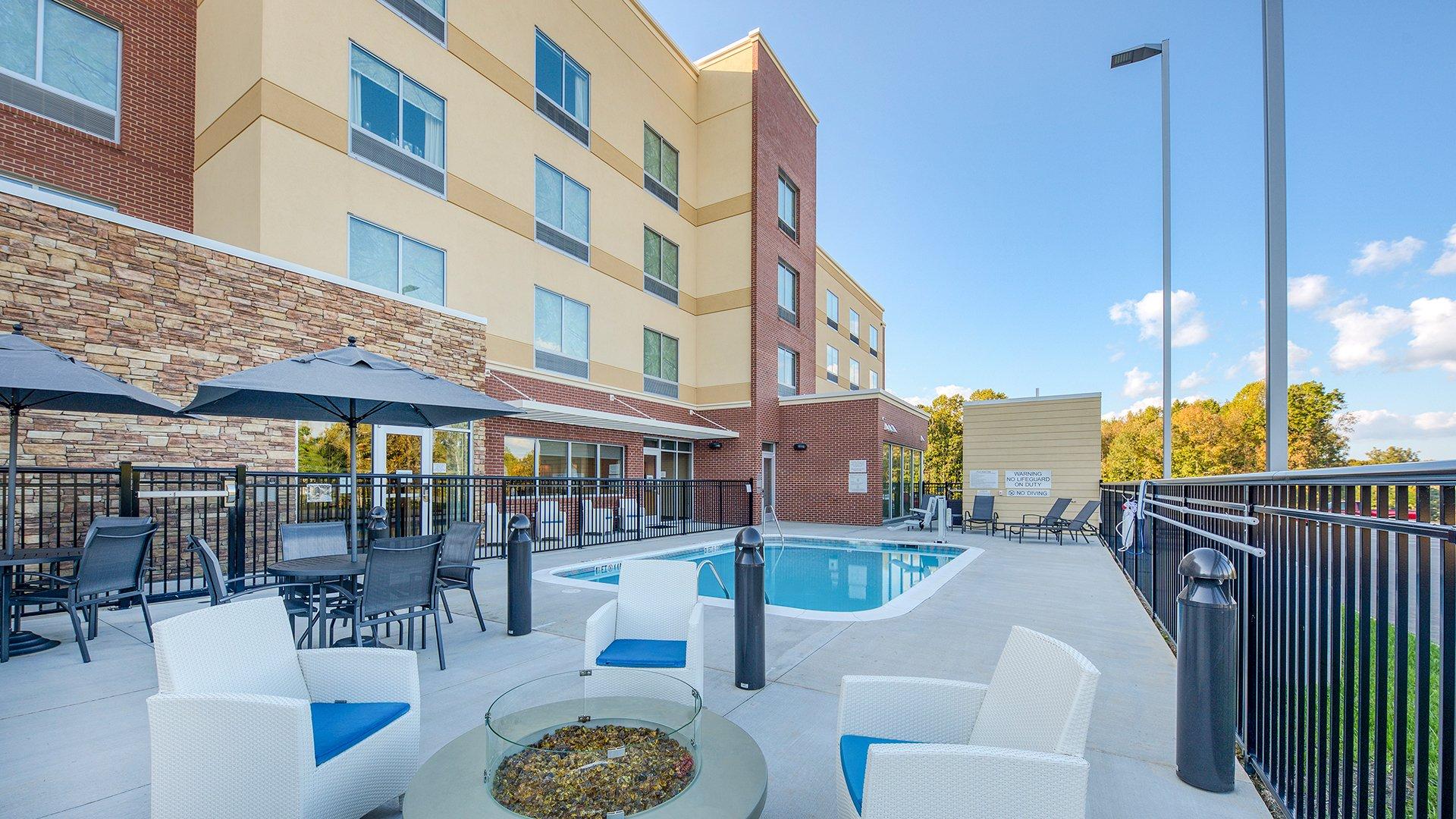Fairfield Inn by Marriott Charlotte Belmont Pool